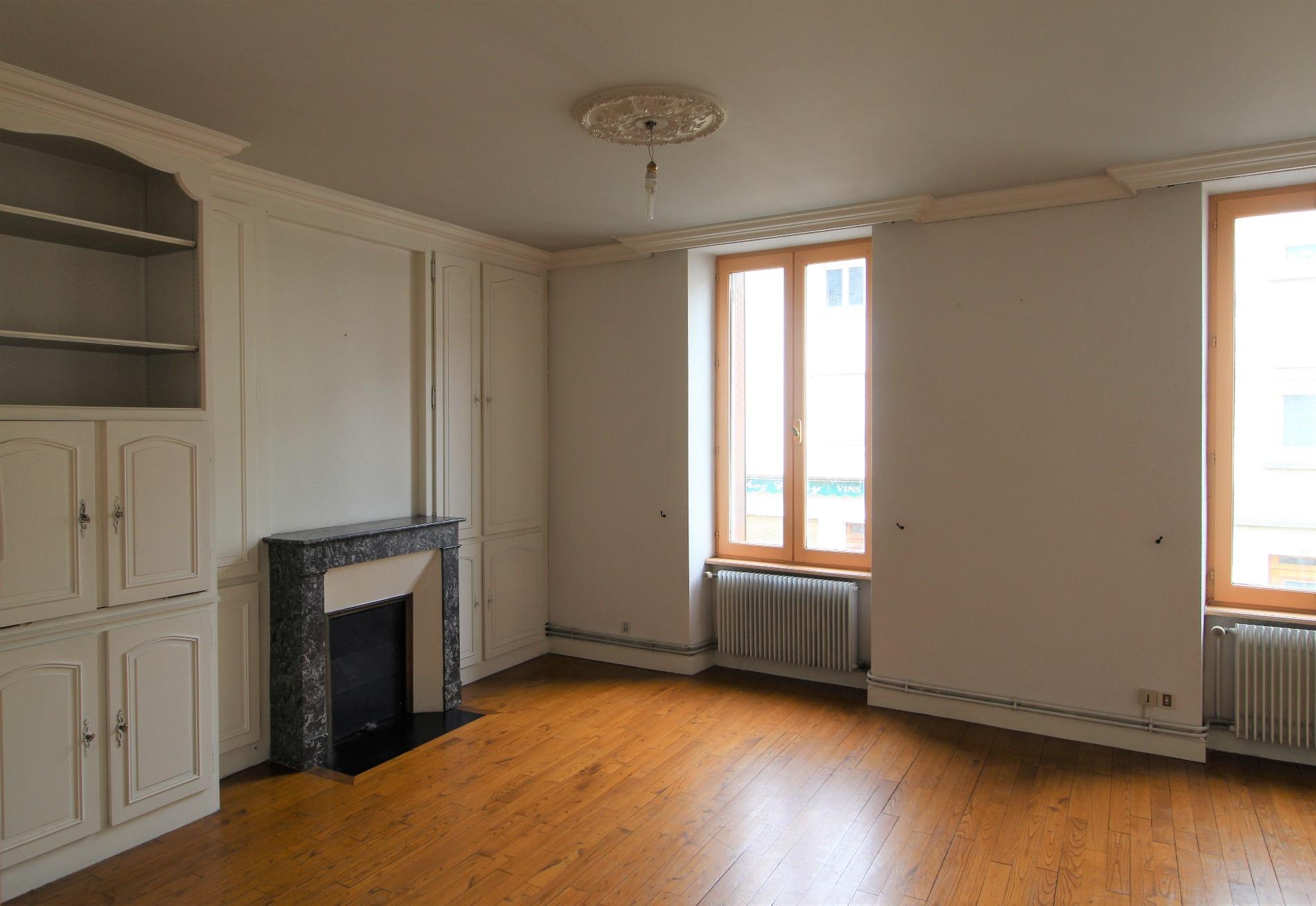 vente clermont ferrand immeuble de rapport avec local. Black Bedroom Furniture Sets. Home Design Ideas