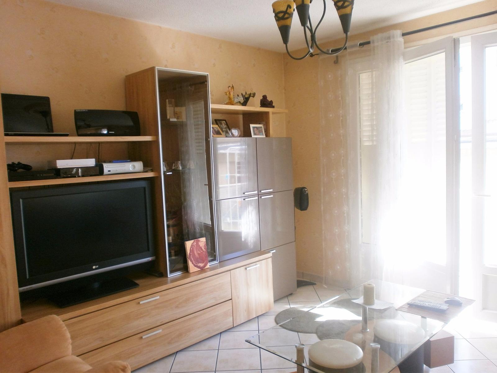 annonce vente appartement clermont ferrand 63000 67 m 128 000 992734451586. Black Bedroom Furniture Sets. Home Design Ideas